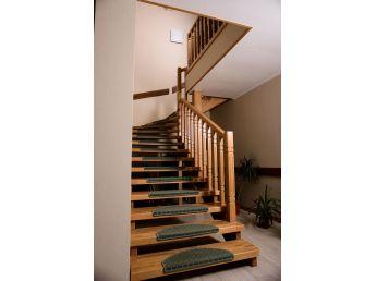 Лестница Традиция Класик 030 п-образная открытого типа (вид слева).