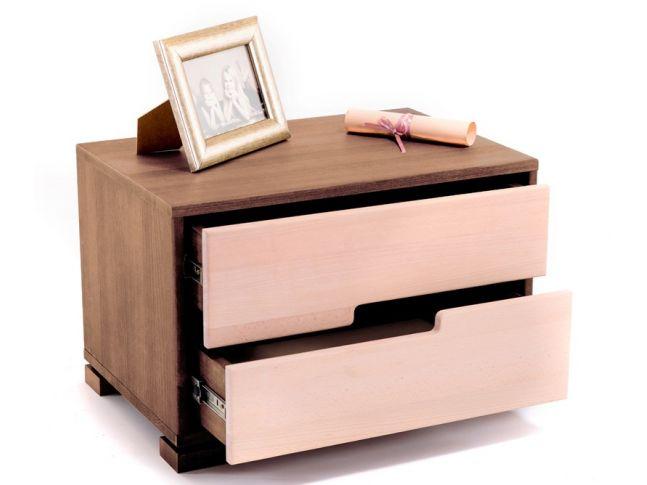 Тумбочка Селена коричневого и белого цвета, материал - цельный бук (в открытом виде).