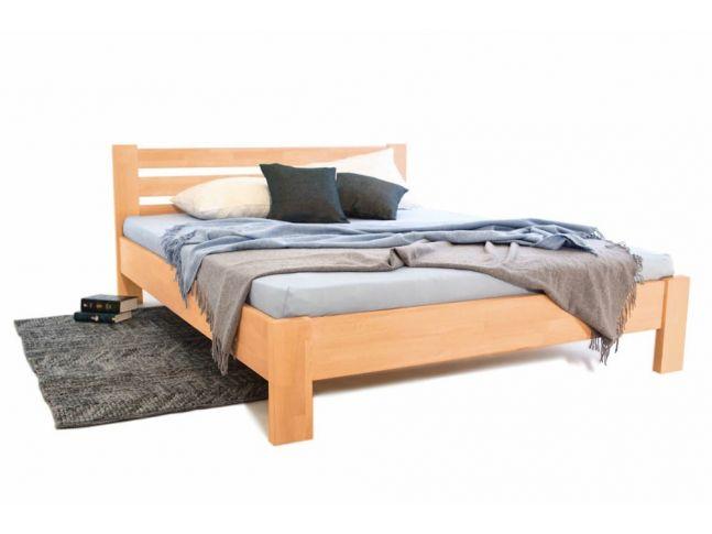 Кровать Сильвана натурального цвета, материал - срощенный бук (общий вид).