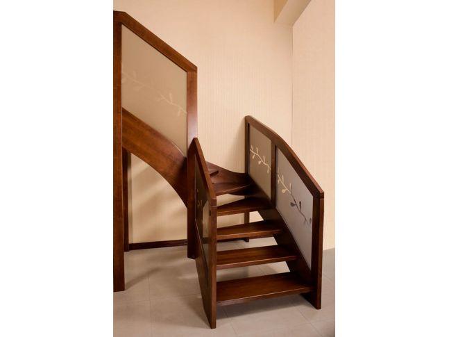 Лестница Модерн Гласс 020 г-образная открытого типа (общий вид).