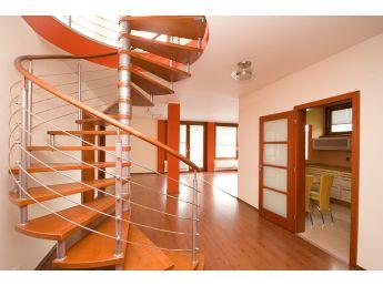 Винтовая лестница Спира Метал 020 на больцах (общий вид)