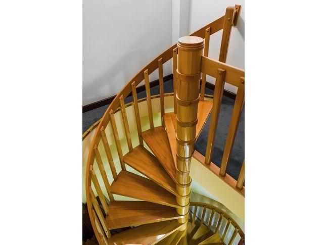 Гвинтові сходи Спіра Класік 010 на больцах (вигляд зверху)