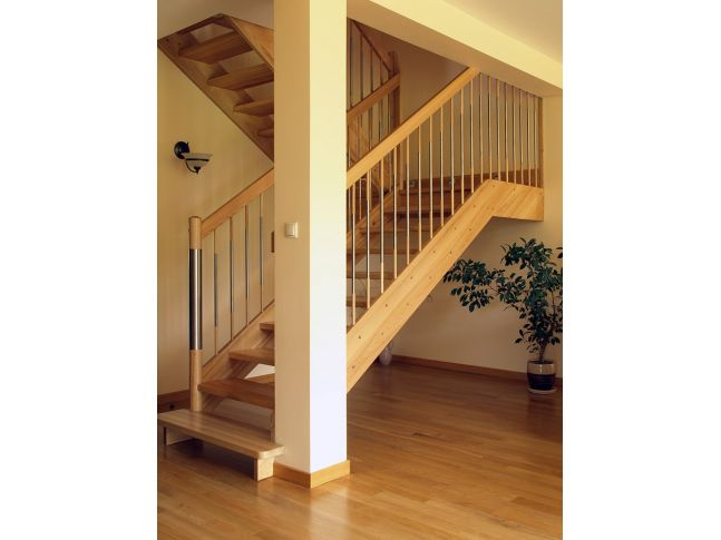 Лестница Модерн Метал 020 п-образная открытого типа (общий вид)
