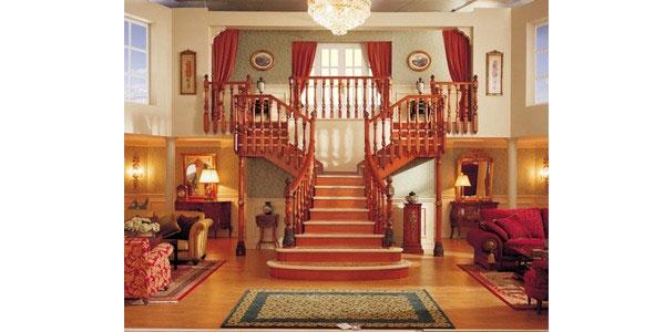 Розпашні сходи в інтер'єрі