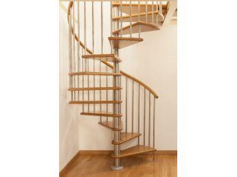 Лестница Спира Метал 030 общий вид